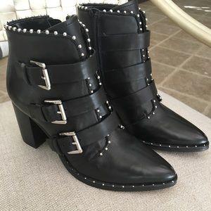 Steve Madden Humble boots 6.5